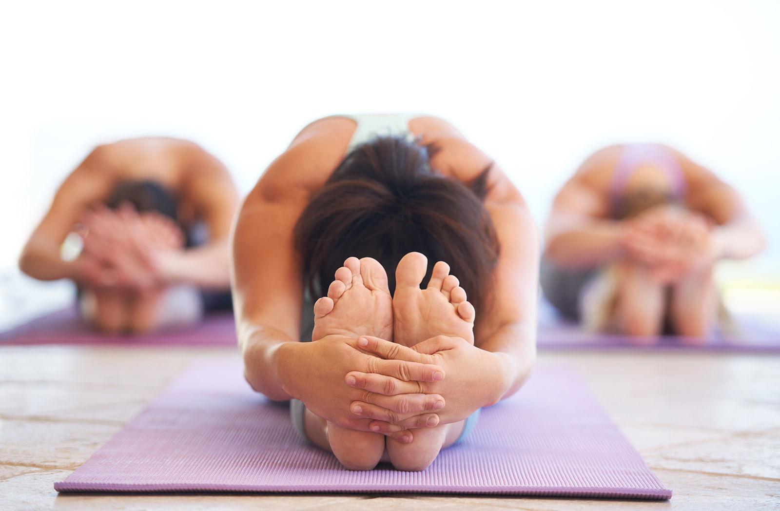 cours de yoga – mouvement humain